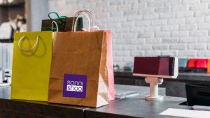 Die Produkte von SanniShoo gibt es im Webshop und bei ausgesuchten Retailern
